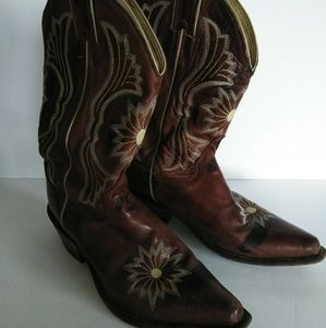 Justin Boots Brown with Flower Stitching